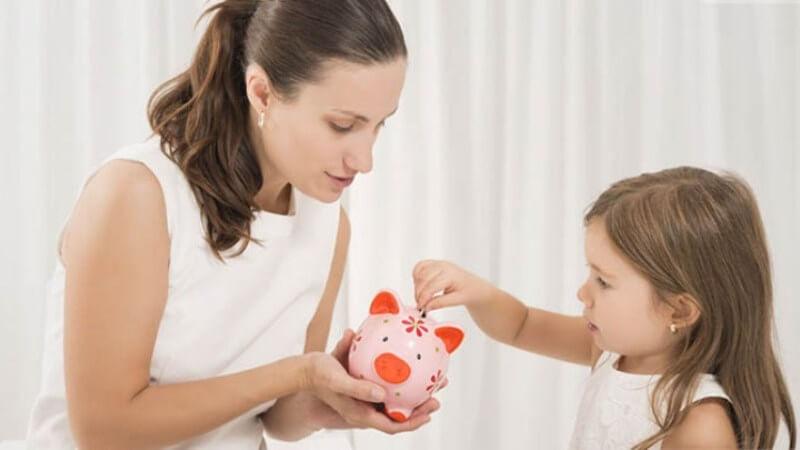Dạy bé tự lập, hiểu giá trị đồng tiền bằng cách thuê bé làm việc nhà từ nhỏ