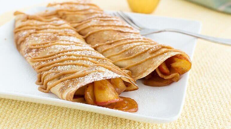 Bạn đã biết cách làm bánh crepe táo ngon như nhà hàng