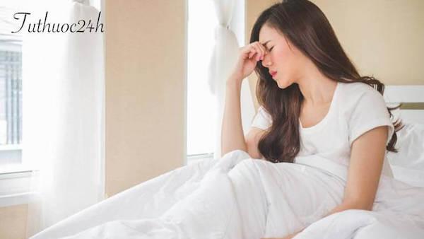Chóng mặt buồn nôn là triệu chứng gì? Nguyên nhân do đâu?