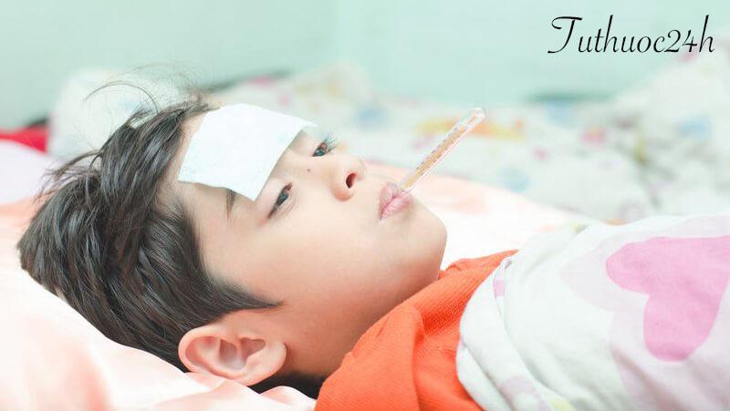 Trẻ bị sốt siêu vi nên ăn gì và không nên ăn gì để mau khỏi bệnh
