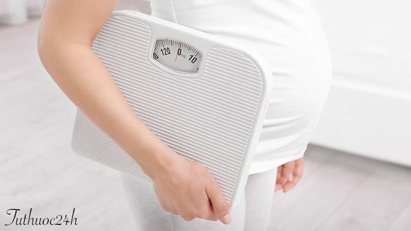 Bà bầu tăng cân khi mang thai bao nhiêu thì hợp lý?