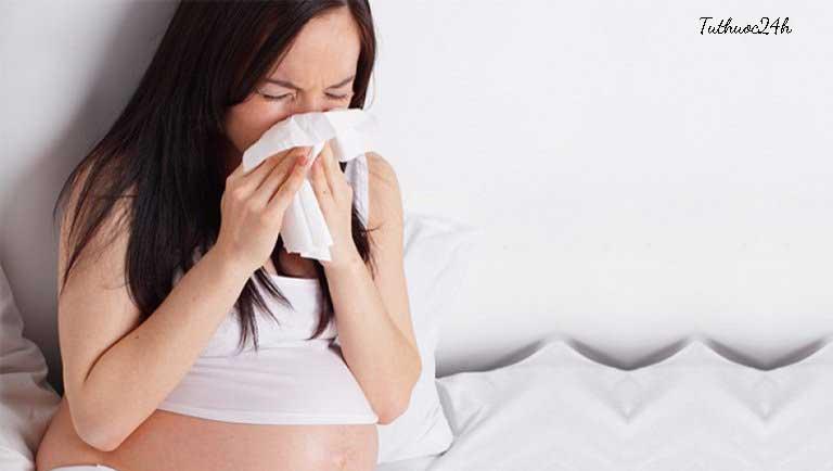 Viêm mũi dị ứng khi mang thai và những điều mẹ cần biết