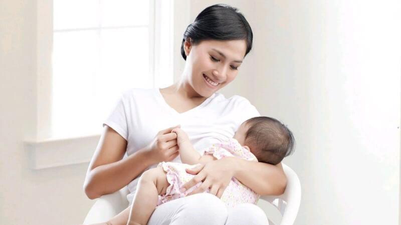 Mách mẹ cách chăm con khỏe mạnh, thông minh, ít đau bệnh