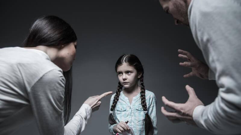 Không cần la hét, học ngay cách dạy bé vâng lời một cách nhẹ tênh như này bố mẹ nhé