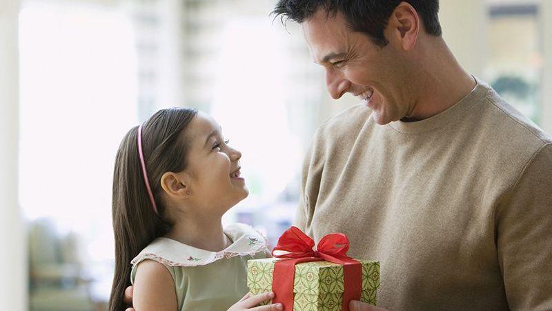 4 món quà bạn nên tặng để giúp con thông minh và hạnh phúc