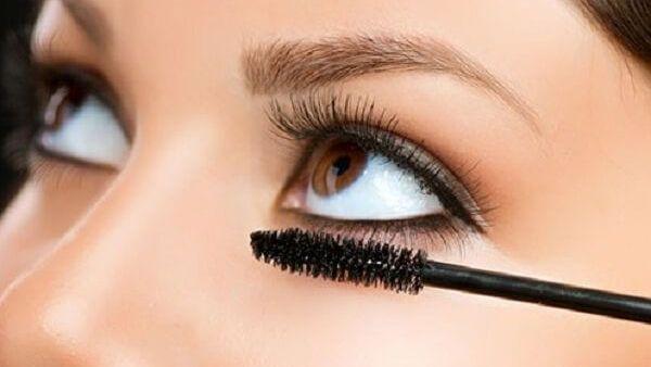 Mẹo giúp tăng thêm tự tin cho các nàng mắt hí và sụp mí
