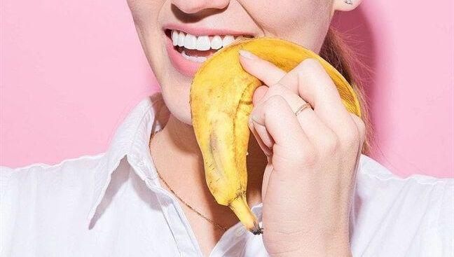 Những phương pháp làm trắng răng tự nhiên độc hại mà bạn chưa biết