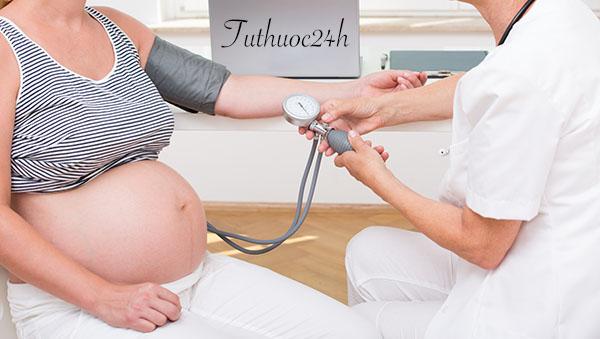 Bà bầu huyết áp thấp có sinh thường được không? Nguyên nhân do đâu?