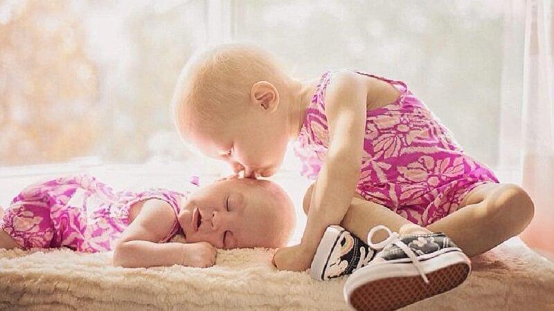Bé gái chỉ mới 2 tuổi đấu tranh với bệnh ung thư buồng trứng
