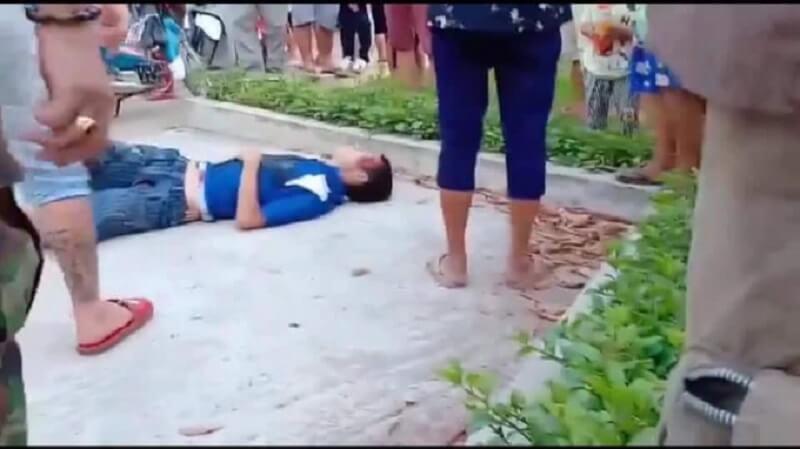 Bị vu oan là kẻ bắt cóc ông bố trẻ dẫn con đi dạo bị đâm chết ở Long An