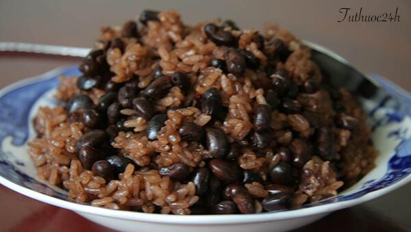 Cách nấu xôi đậu đen thơm ngon và tốt cho sức khỏe