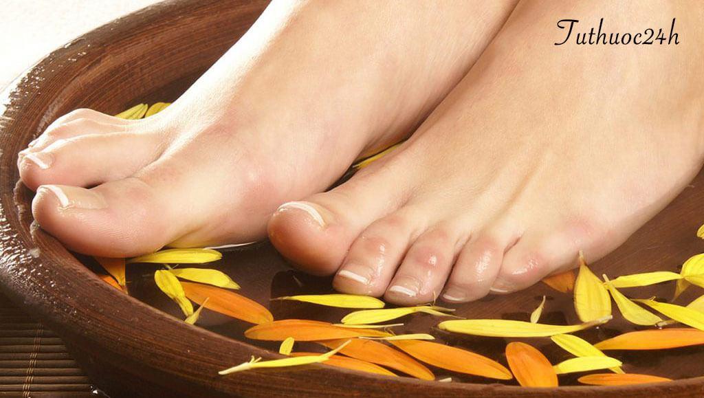 Ngâm chân nước gừng – bài thuốc đơn giản mà hiệu quả to lớn cho sức khỏe