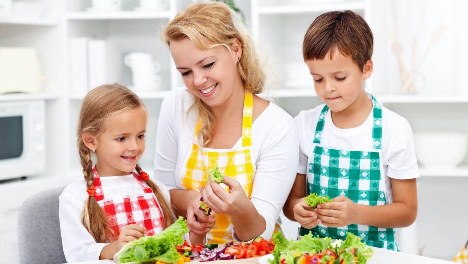 Làm thế nào cung cấp đủ chất dinh dưỡng cho lứa tuổi vị thành niên?