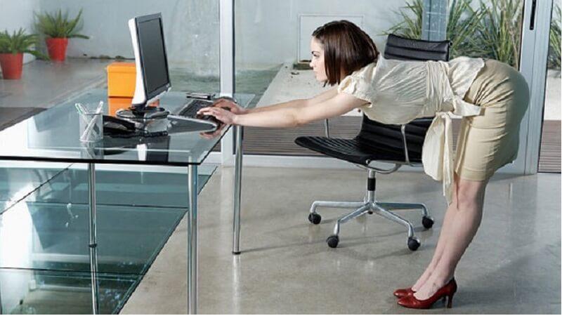Nếu muốn khỏe mạnh dân văn phòng phải biết đến 5 động tác yoga đơn giản sau đây