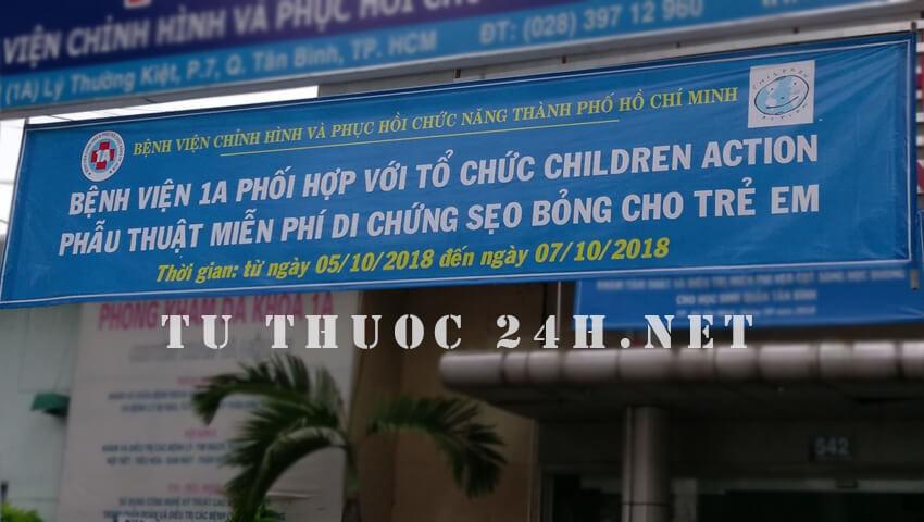 Bệnh viện 1A và tổ chức Children Action điều trị và phẫu thuật miễn phí cho trẻ bị di chứng sẹo bỏng vào tháng 10/2018