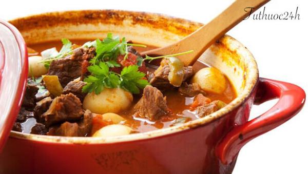 2 cách nấu thịt bò hầm khoai tây tẩm bổ cho cả gia đình