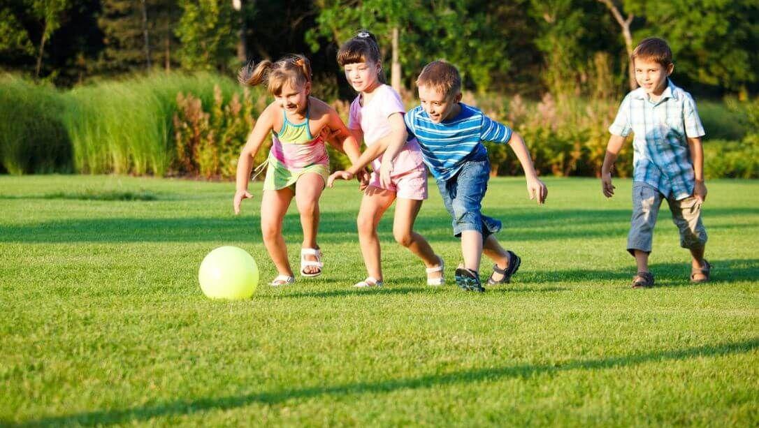 Trò chơi bổ ích cho trẻ tăng động giúp cả nhà gần gũi, bé thông minh hơn